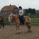 Annebel klanten over paardrijlessen